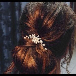 NEW - 2-pc bridal hair pin set